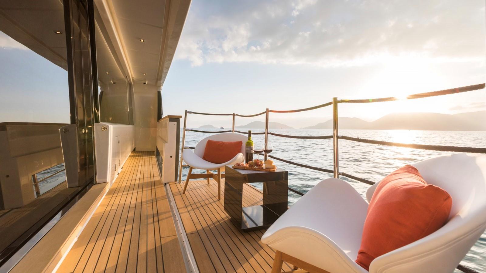 2018 FERRETTI CUSTOM LINE Navetta 33 Motor Yacht 2343990