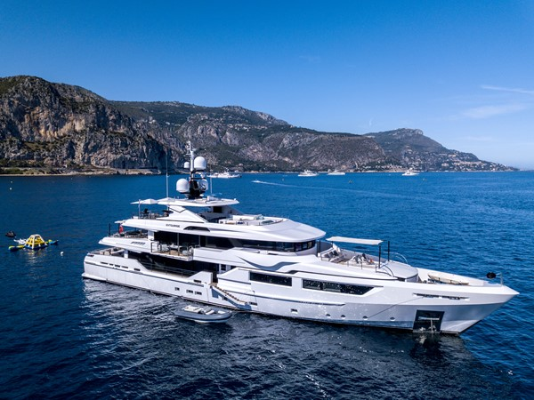 2014 ADMIRAL Maxima 47 Motor Yacht 2670683