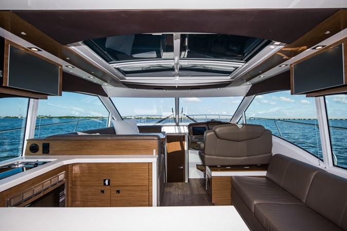 Cruisers 45 Cantius 2017 - Salon 2017 Cruisers Yachts 45 Cantius Black Diamond Cruiser 2368446