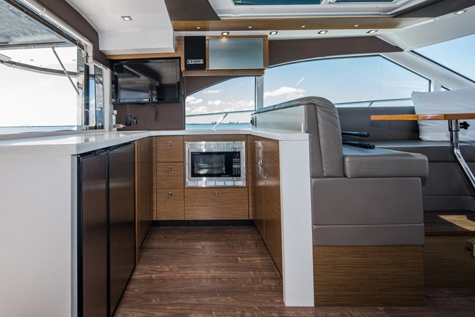Cruisers 45 Cantius 2017 - Galley 2017 Cruisers Yachts 45 Cantius Black Diamond Cruiser 2368447
