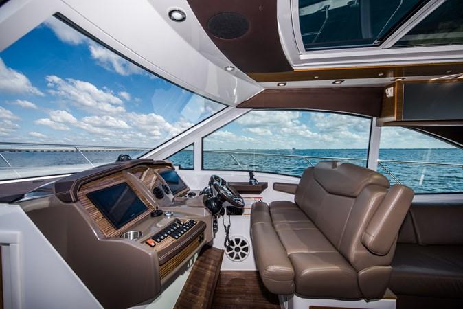 Cruisers 45 Cantius 2017 - Helm 2017 Cruisers Yachts 45 Cantius Black Diamond Cruiser 2368450