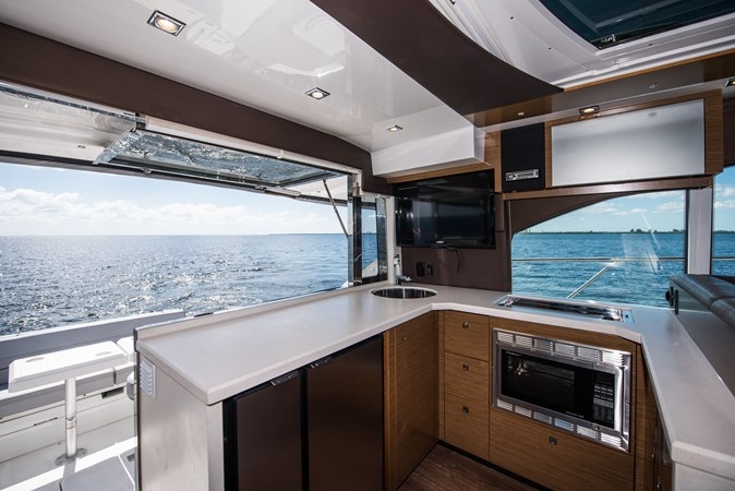 Cruisers 45 Cantius 2017 - Galley 2017 Cruisers Yachts 45 Cantius Black Diamond Cruiser 2368454