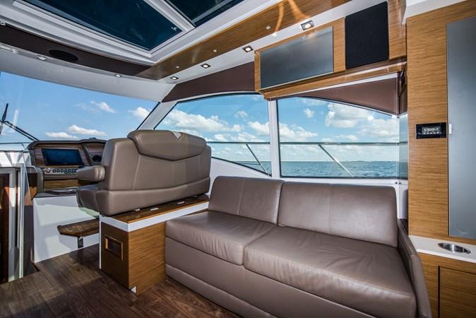 Cruisers 45 Cantius 2017 - Salon 2017 Cruisers Yachts 45 Cantius Black Diamond Cruiser 2368458