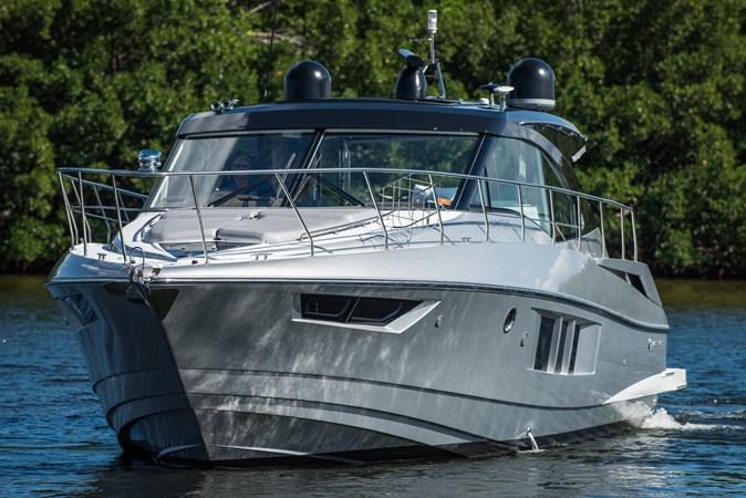 Cruisers 45 Cantius 2017 - Bow Quarter Profile 2017 Cruisers Yachts 45 Cantius Black Diamond Cruiser 2368465