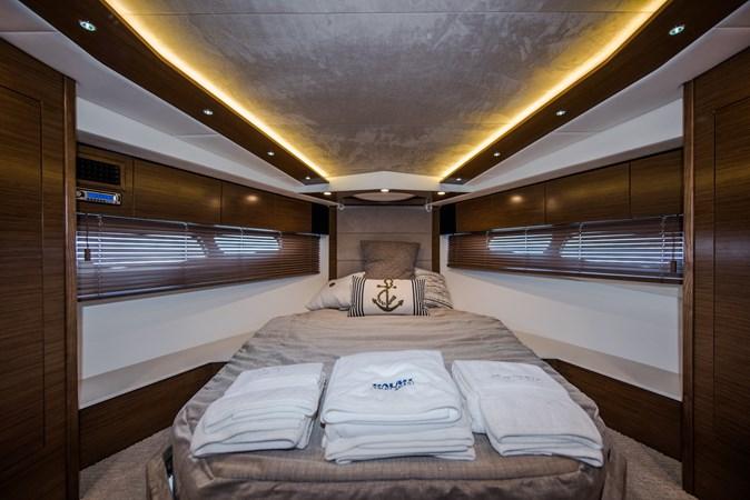 Cruisers 45 Cantius 2017 - Master Stateroom 2017 Cruisers Yachts 45 Cantius Black Diamond Cruiser 2368483