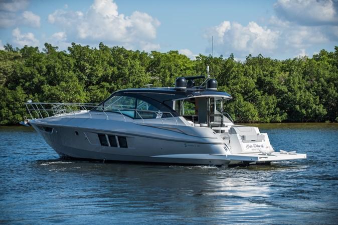 Cruisers 45 Cantius 2017 - Profile 2017 Cruisers Yachts 45 Cantius Black Diamond Cruiser 2368484