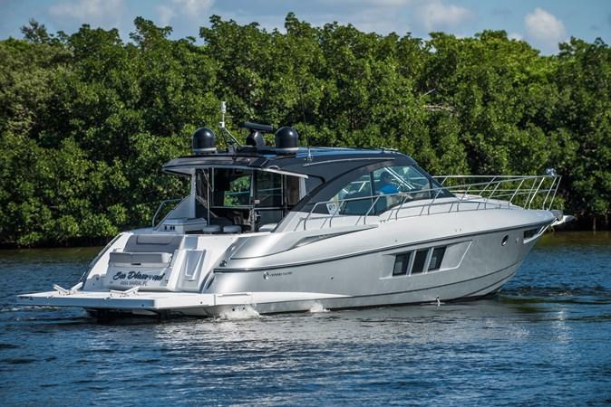 Cruisers 45 Cantius 2017 - Transom Profile 2017 Cruisers Yachts 45 Cantius Black Diamond Cruiser 2368486