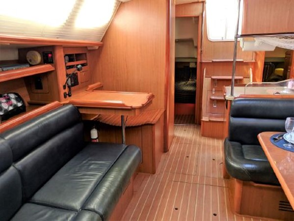 2008 HUNTER 45 Deck Salon Deck Saloon 2340556