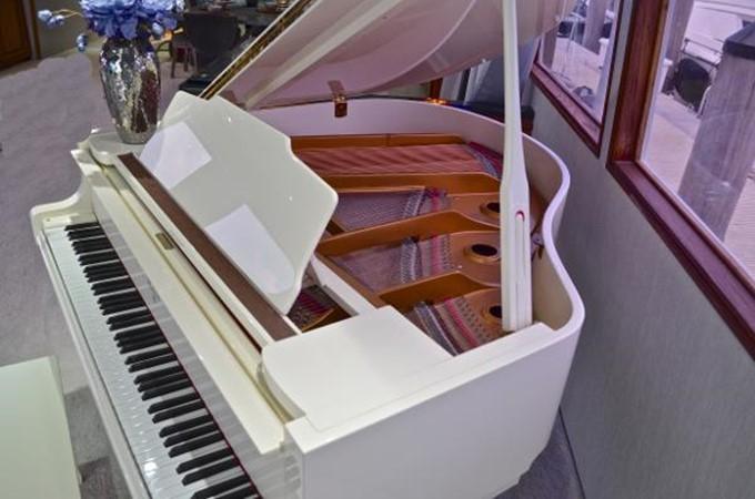 1989 BROWARD Cockpit Motor Yacht  2685980