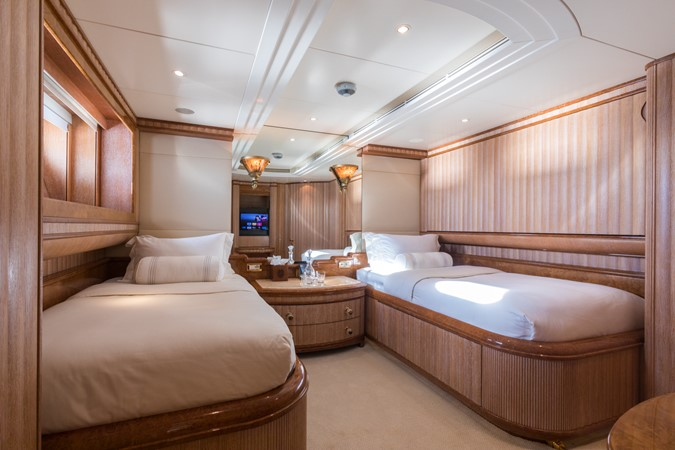 1999 BENETTI Golden Bay Motor Yacht 2511495