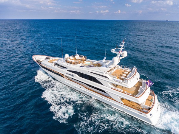 1999 BENETTI Golden Bay Motor Yacht 2544040