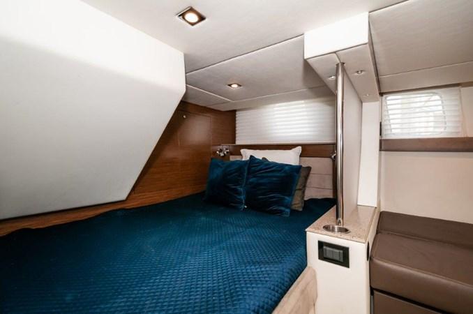 2013 Cruisers 45 Cantius VIP Stateroom 2013 Cruisers Yachts 45 Cantius Cruiser 2330096