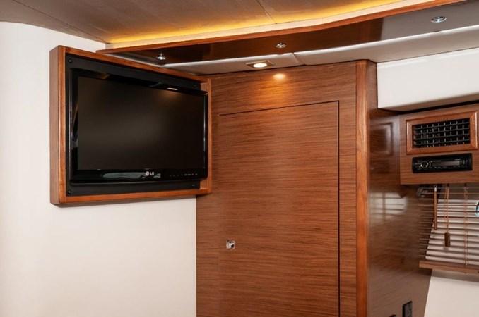 2013 Cruisers 45 Cantius  Master Stateroom TV 2013 Cruisers Yachts 45 Cantius Cruiser 2330097