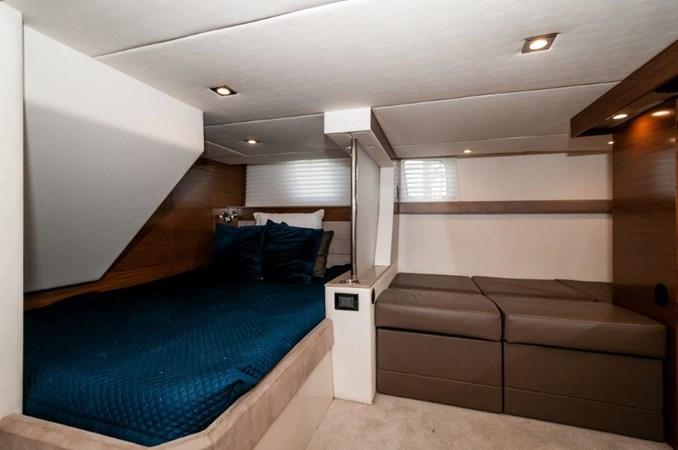 2013 Cruisers 45 Cantius VIP Stateroom 2013 Cruisers Yachts 45 Cantius Cruiser 2330105