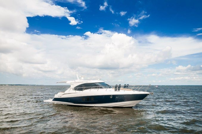 2013 Cruisers 45 Cantius  Starboard Profile 2013 Cruisers Yachts 45 Cantius Cruiser 2330112