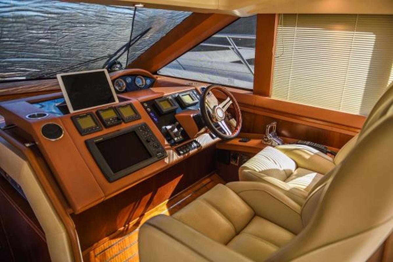 2010 PRINCESS YACHTS V Cruiser 2330980