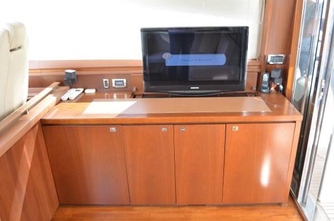 2010 PRINCESS YACHTS V Cruiser 2330978