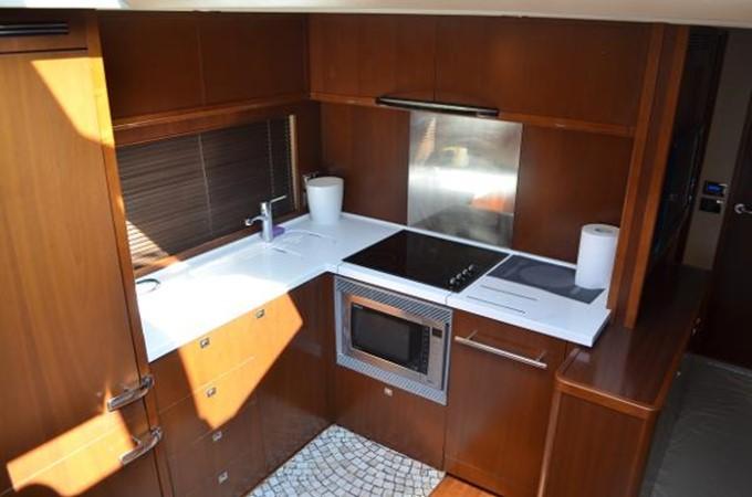 2010 PRINCESS YACHTS V Cruiser 2330983