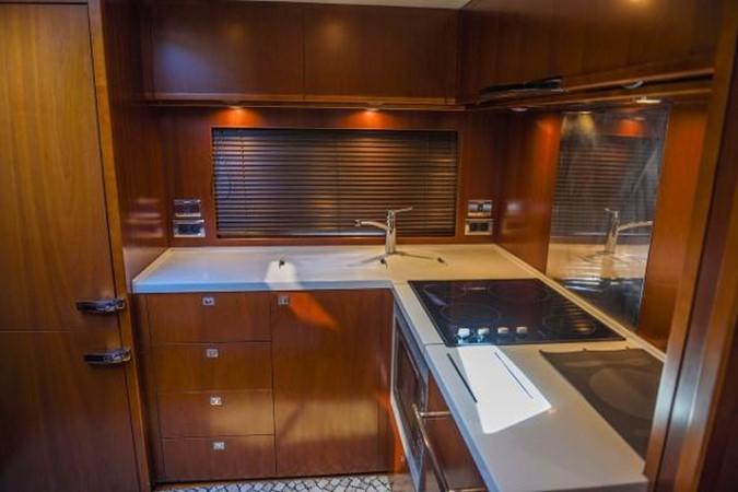 2010 PRINCESS YACHTS V Cruiser 2330984