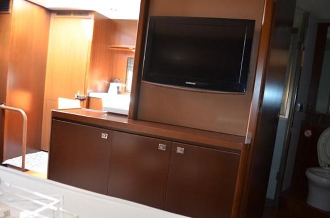2010 PRINCESS YACHTS V Cruiser 2330986