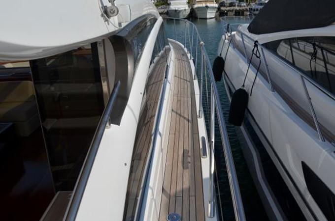 2010 PRINCESS YACHTS V Cruiser 2330993