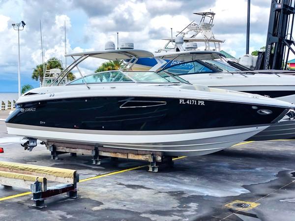 STBD profile 2014 COBALT R35/336 Deck Boat 2335400