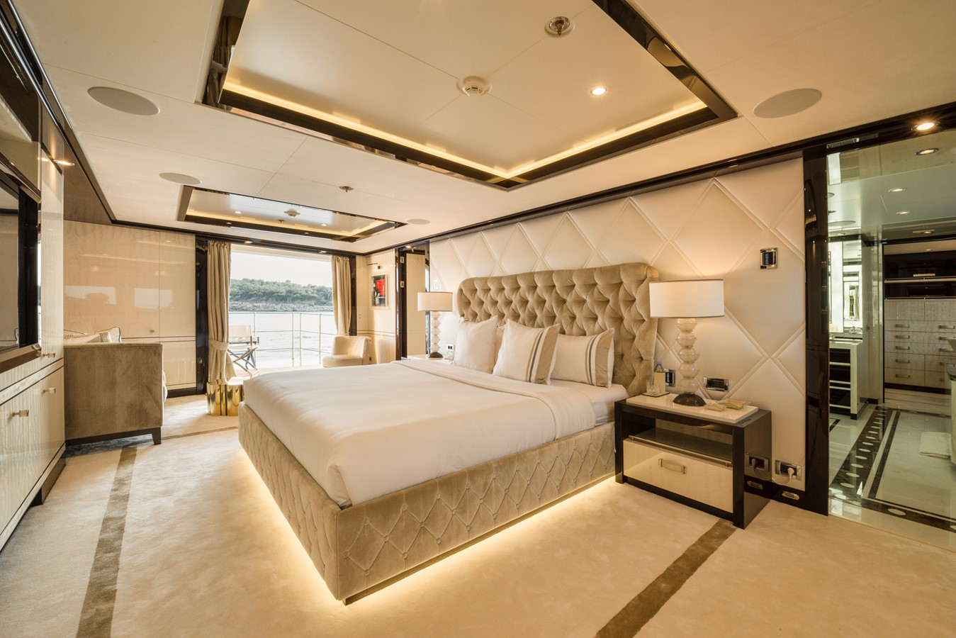 2016 AMELS  Motor Yacht 2335958