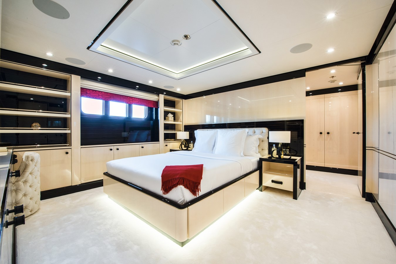 2016 AMELS  Motor Yacht 2335972