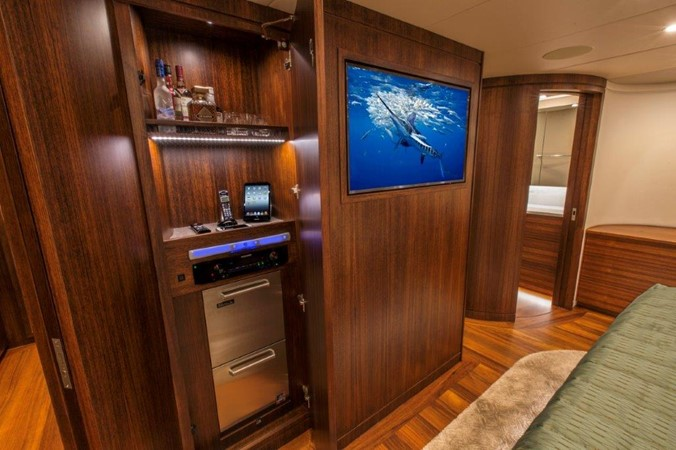 Master Stateroom 2016 BAYLISS BOATWORKS Sportfish Sport Fisherman 2337629