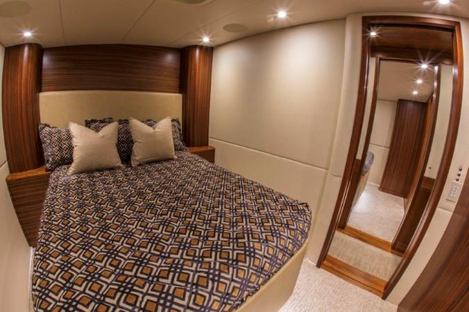 Starboard Guest Stateroom 2016 BAYLISS BOATWORKS Sportfish Sport Fisherman 2337634