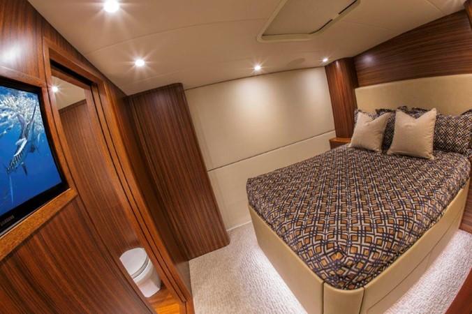 Starboard Guest Stateroom 2016 BAYLISS BOATWORKS Sportfish Sport Fisherman 2337635