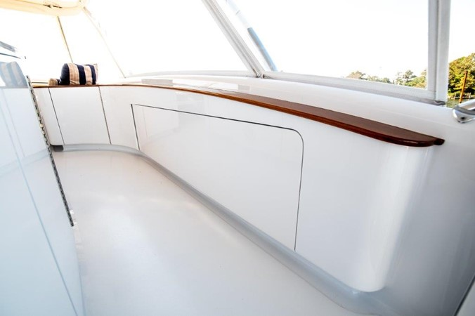Starboard Flybridge Rod Locker 2016 BAYLISS BOATWORKS Sportfish Sport Fisherman 2337646