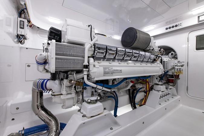 Engine Room 2016 BAYLISS BOATWORKS Sportfish Sport Fisherman 2383248