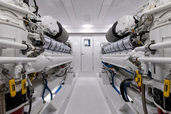 Engine Room 2016 BAYLISS BOATWORKS Sportfish Sport Fisherman 2383249