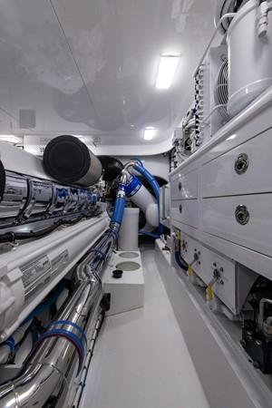 Engine Room 2016 BAYLISS BOATWORKS Sportfish Sport Fisherman 2383252