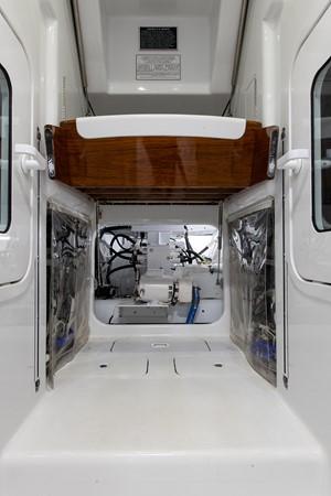 Engine Room 2016 BAYLISS BOATWORKS Sportfish Sport Fisherman 2383256