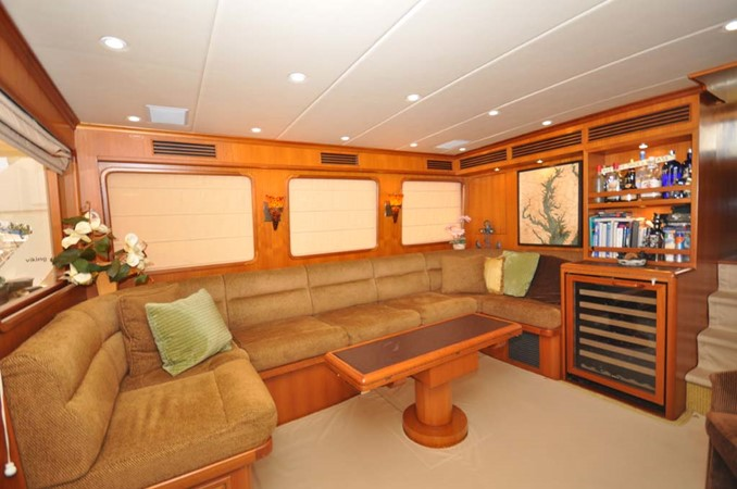2009 OFFSHORE Out Islander 64 LRC Trawler 2337979