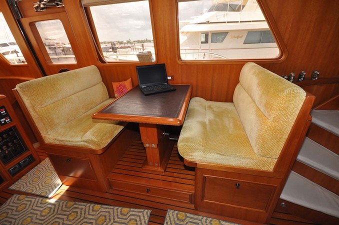 2009 OFFSHORE Out Islander 64 LRC Trawler 2338018