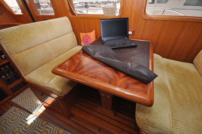 2009 OFFSHORE Out Islander 64 LRC Trawler 2338019