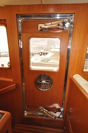 2009 OFFSHORE Out Islander 64 LRC Trawler 2338026