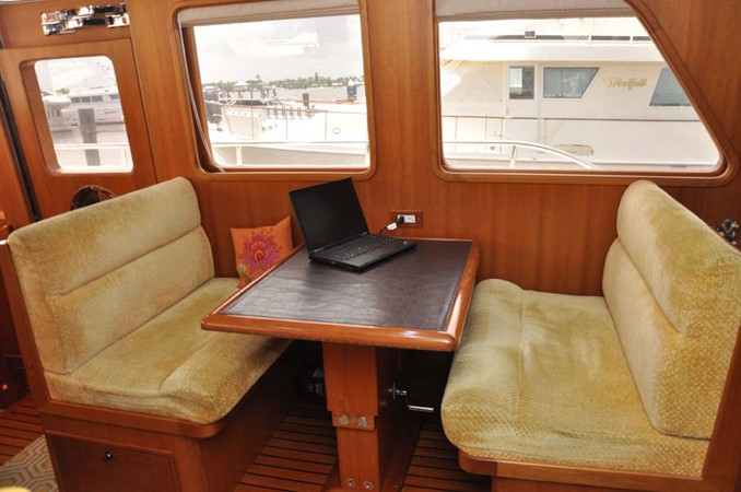 2009 OFFSHORE Out Islander 64 LRC Trawler 2338049