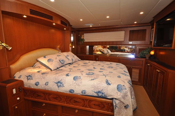 2009 OFFSHORE Out Islander 64 LRC Trawler 2338064