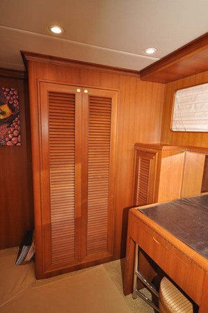 2009 OFFSHORE Out Islander 64 LRC Trawler 2338070
