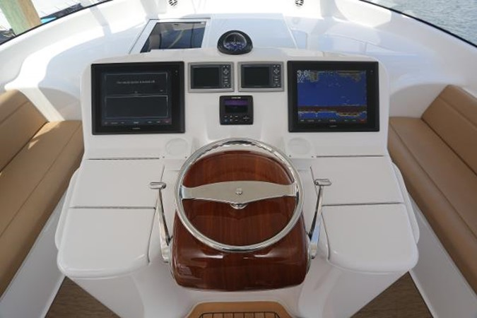 Helm and Electronics 2014 VIKING 42' Open Sport Fisherman 2338323