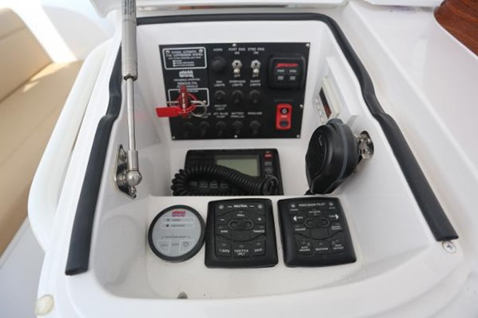 Port Radio Box 2014 VIKING 42' Open Sport Fisherman 2338325