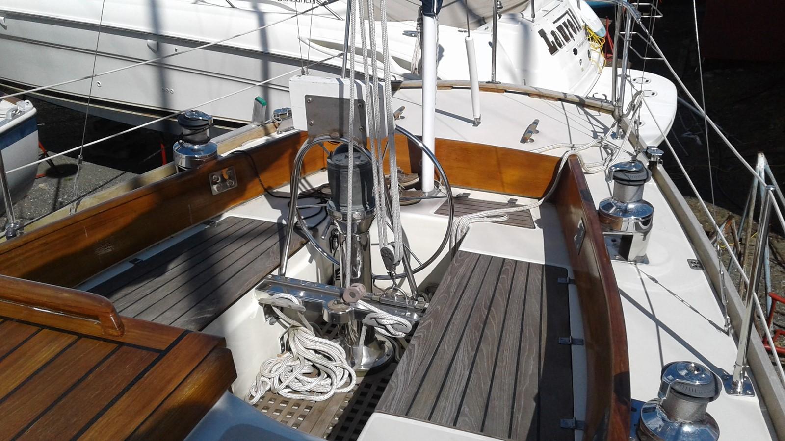 1965 LE COMTE Northeast 38 Classic Yacht 2343891