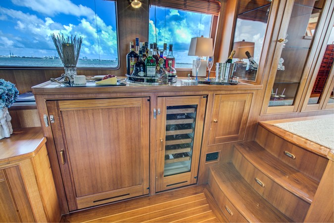 Port Side Wet Bar 2015 MARLOW 80-ECB Cruiser 2377216