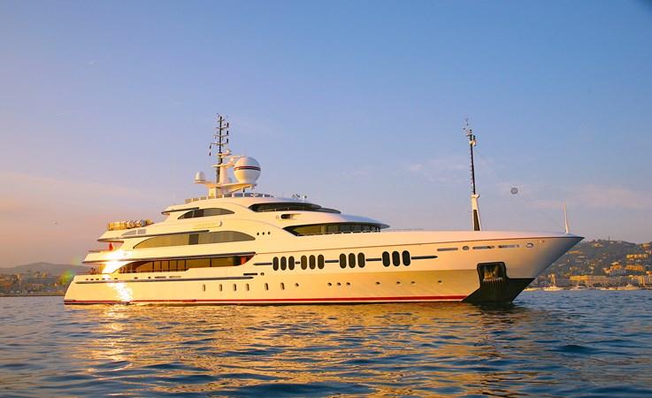Benetti FB231 Ambrosia_exteriors (1) 2006 BENETTI Diesel Electric ABB Azipod Mega Yacht 2375222