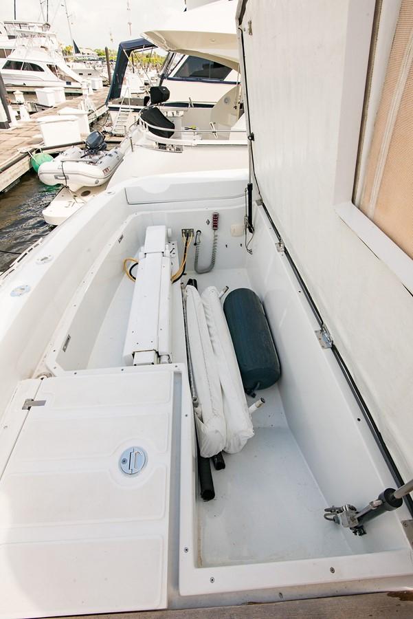 2000 PERSHING 65 Motor Yacht 2350342