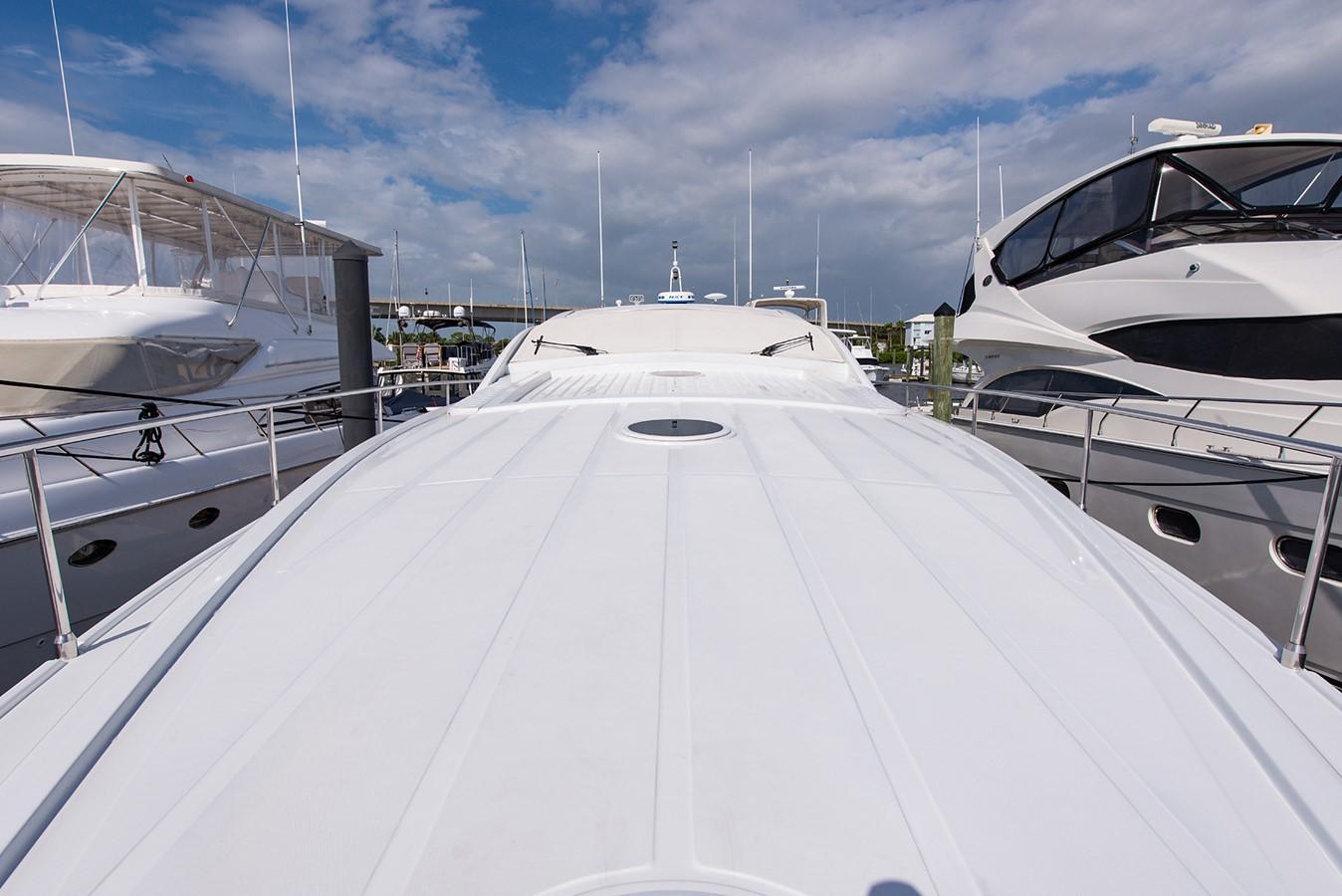 2000 PERSHING 65 Motor Yacht 2350350